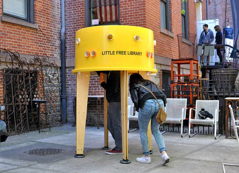 کتابخانههای رایگان در پیادهروهای منهتن