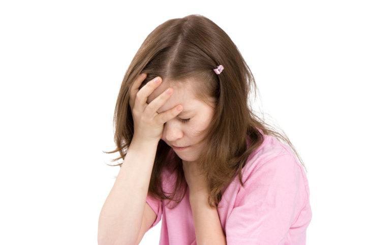 چرا دختران بیشتر به میگرن مبتلا میشوند؟