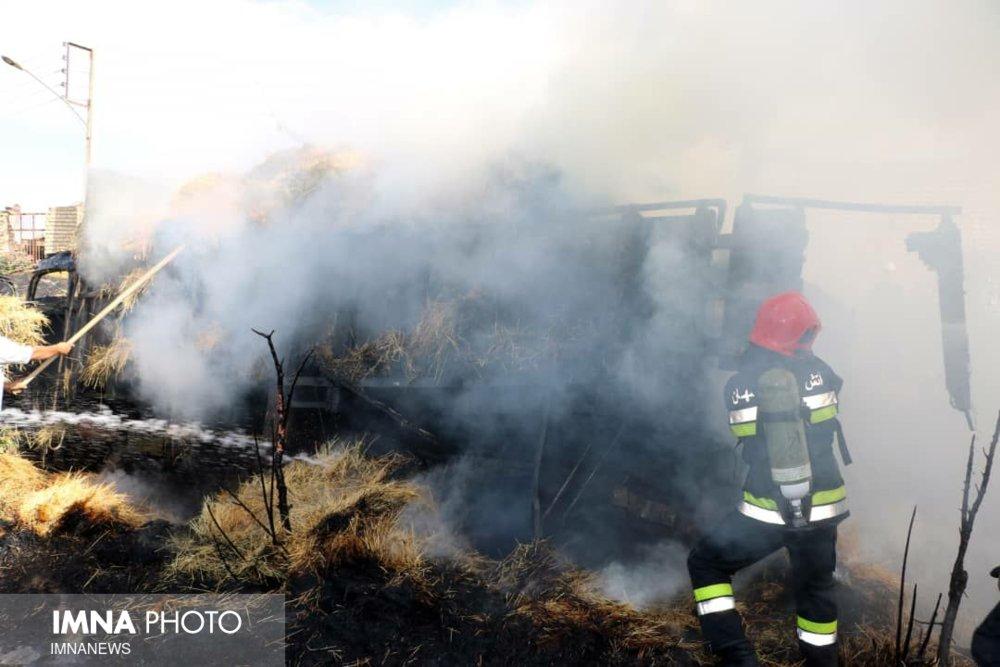 مهار آتشسوزی در مراتع روستای شهرستانک