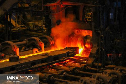امکان کاهش ساعت کار کارگران بخش تولید ذوب آهن وجود ندارد