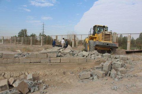تخریب ۲۰ سازه خطرساز در شاهرود