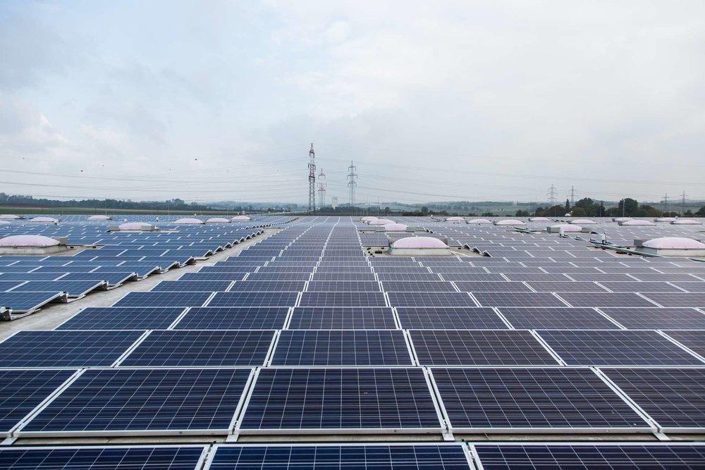 عراق مصمم به توسعه انرژی خورشیدی
