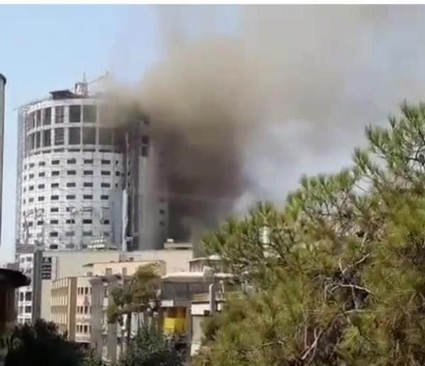 عملیات اطفاء حریق هتل آسمان ادامه دارد