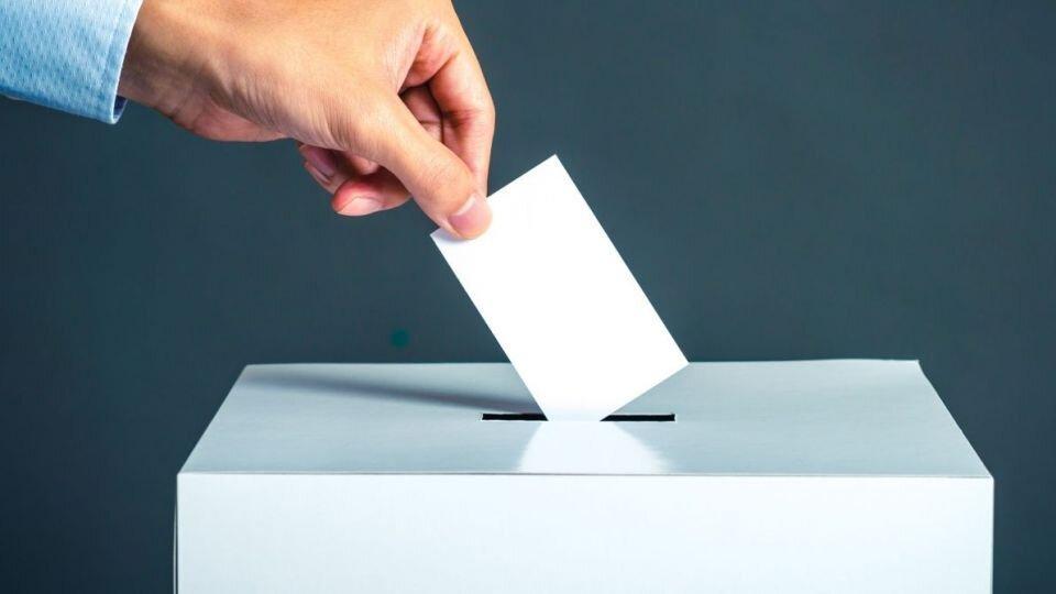 """شعار انتخابات ۹۸ """"گام دوم انقلاب، قانون مندی، وانسجام ملی"""" است"""