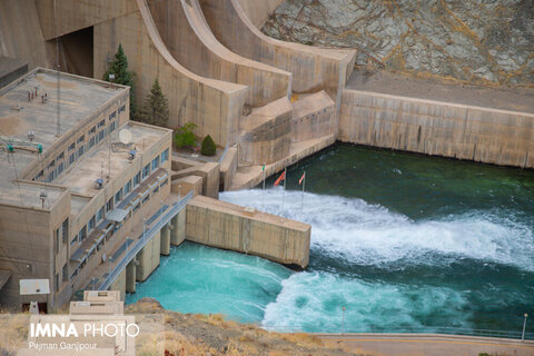 حجم سد زاینده رود به ۴۸۲ میلیون مترمکعب رسید/ کاهش خروجی سد از ۵ مهرماه