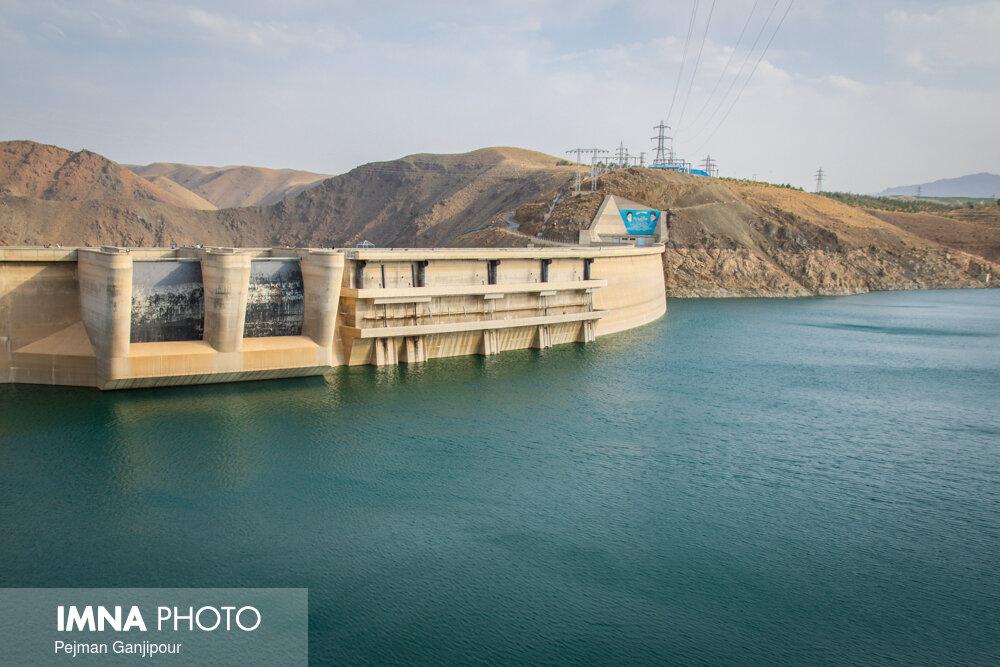 ذخیره سد زاینده رود به ۶۱۷ میلیون مترمکعب رسید/ کاهش ۴۵ درصدی بارش ها