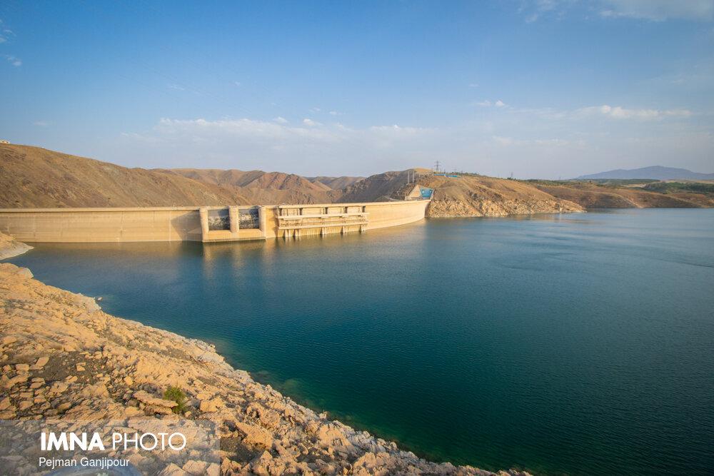 حجم آب پشت سد زایندهرود ۲۹۶ میلیون متر مکعب است