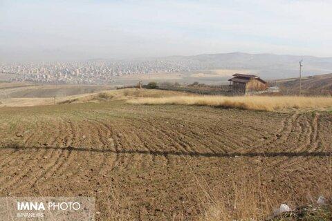 خلع ید ۲۲۰ هزار متر زمین وقفی در برخوار