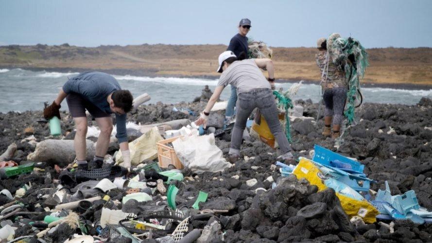 مقامات پرو در کارزاری تبلیغاتی سواحل لیما را از زباله پاکسازی کردند