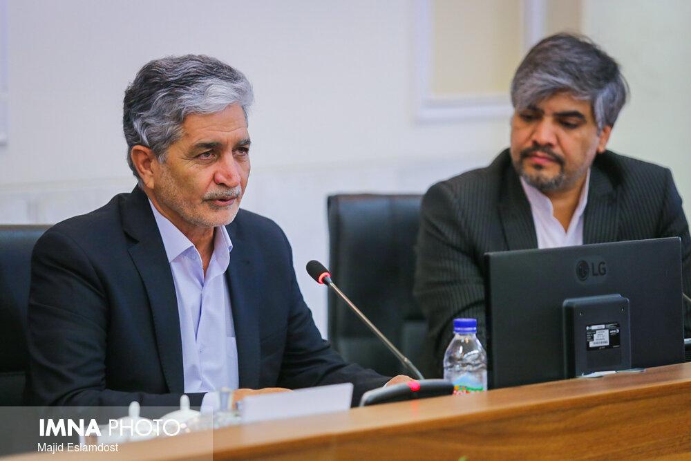 غلامی: روند صعودی ابتلا به کرونا در اصفهان/ ثبتنام ۹۵ درصدی دانشآموزان در مدارس