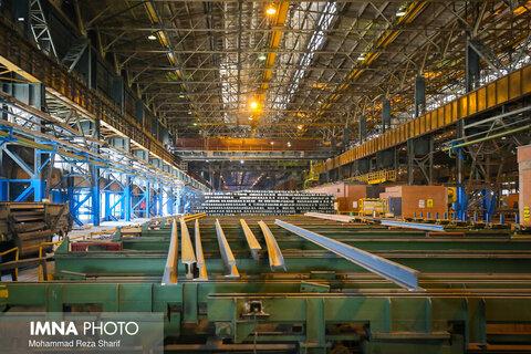 ریل قطارهای پر سرعت تولید ذوبآهن اصفهان رونمایی شد