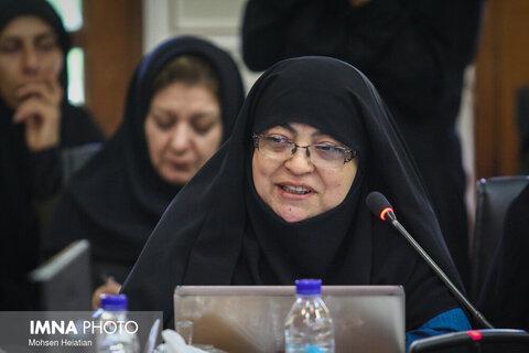 چنگیز: بیمارستان های اصفهان فرسوده اند