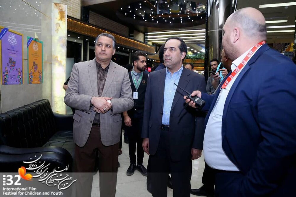 Cinema Organization of Iran director tours different sections of children filmfest