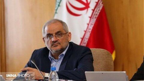 ایرانی و افغانستانی صمیمانه در کنار هم تحصیل میکنند