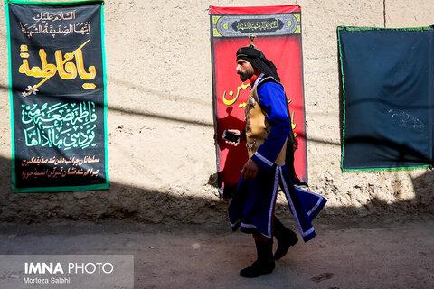 کاروان نمادین کربلا در روستای سهروفیروزان