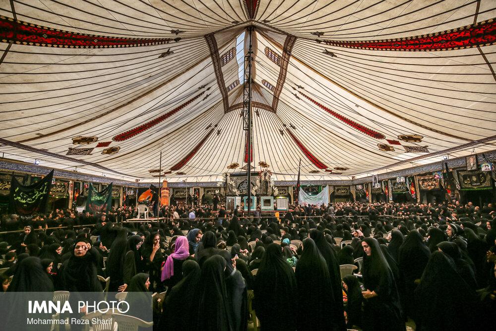 تاسوعای حسینی در امامزاده هارونیه اصفهان