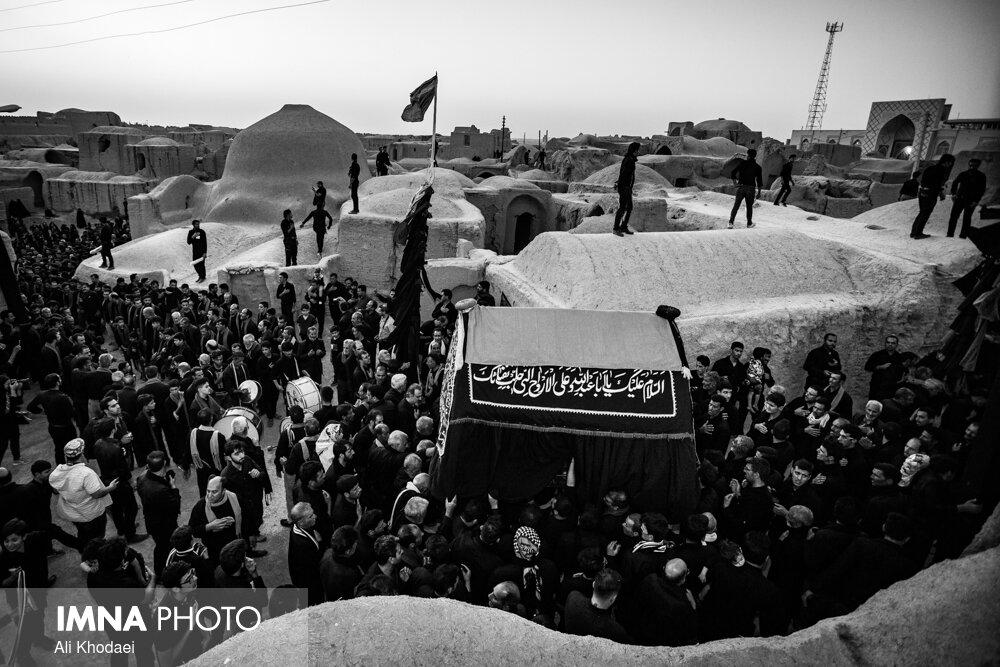 مراسم عزاداری زارخاک در روستای قورتان