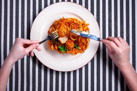 غذاهای حاوی آهن را با گوجه فرنگی مصرف نکنید