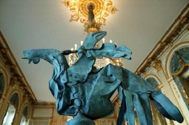 نمایش خروس نجاتیافته نوتردام در پاریس