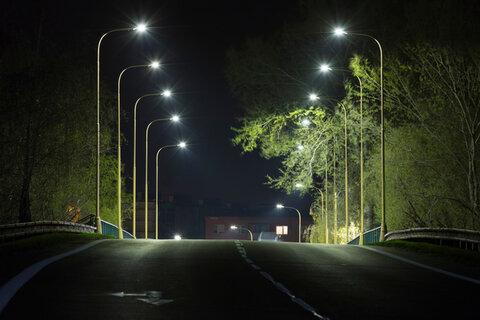 تأمین روشنایی معابر شهری و میادین رفسنجان