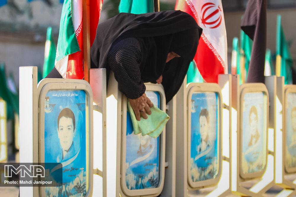 نصب تمثال ۴۰ شهید در خاش