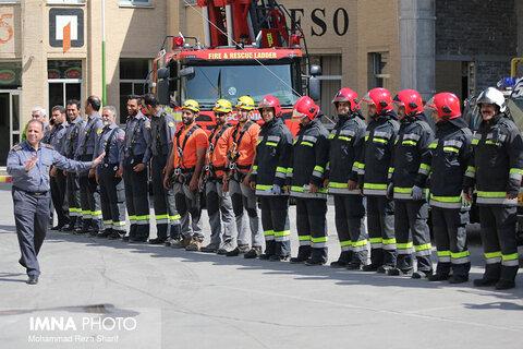 انجام بیش از ۱۰ هزار عملیات موفق از سوی آتش نشانان شهر