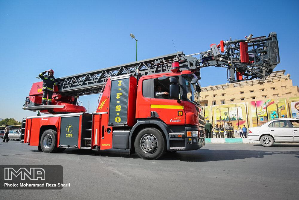 لزوم برگزاری دورههای بلندمدت تخصصی برای آتشنشانان