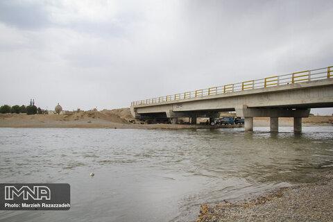 تنظیم ۱۳ قرارداد برای ساماندهی رودخانههای اصفهان