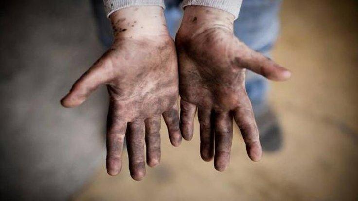 """""""شکلات تلخ"""" به کودکان کار افغانستانی میپردازد"""