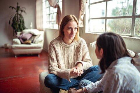 لحن صحبت والدین چه تاثیری بر رفتار نوجوانان دارد؟