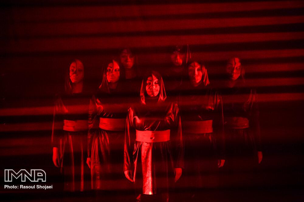 نمایش اژدهاک