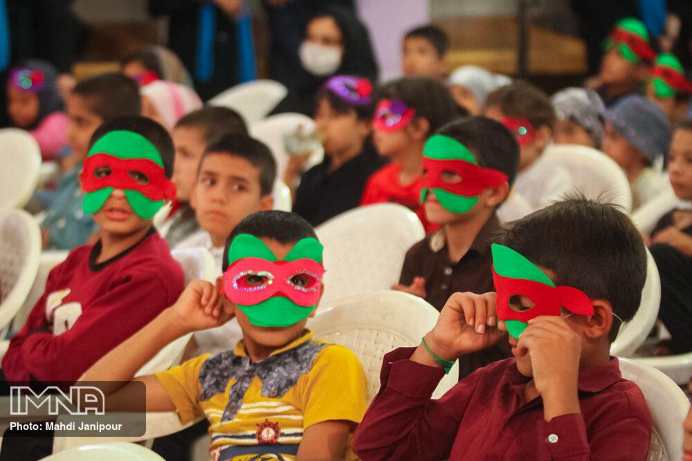 جشن روز کودک ویژه کودکان کار