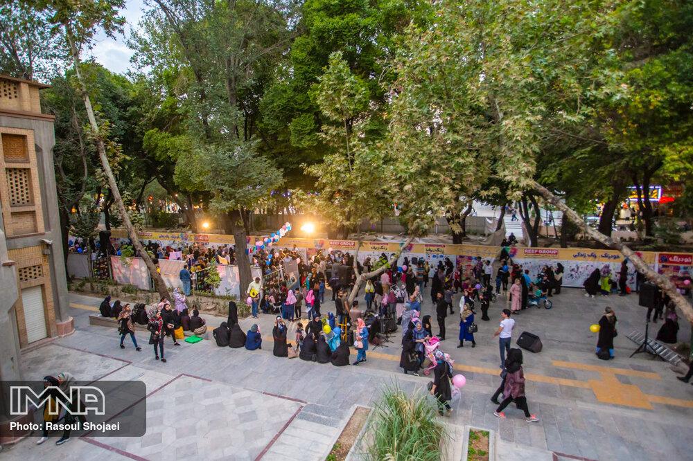 """برگزاری دورههای آموزشی """" گردشگری کودک""""  در سمنان"""