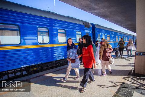 اولین قطار گردشگری کویر امروز راهاندازی میشود