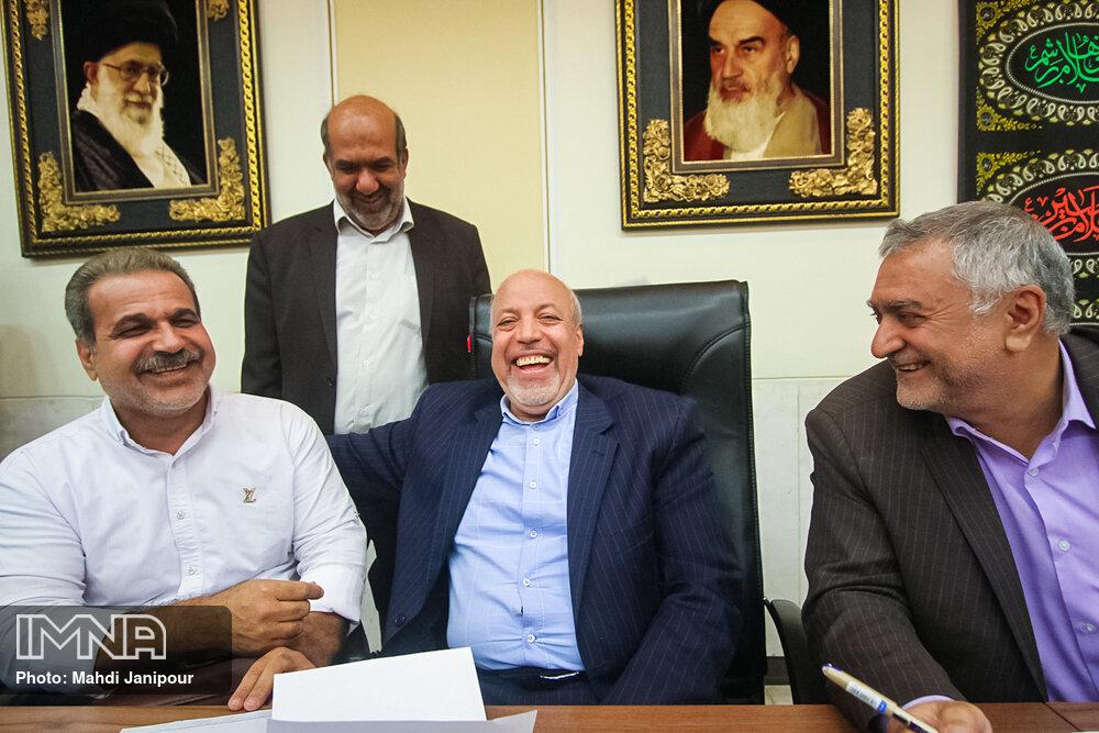 ملاقات مردمی استاندار اصفهان با جانبازان