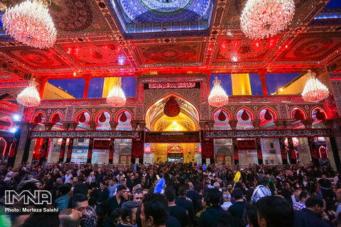 Muslims reached to holy shrine of Imam Hussain