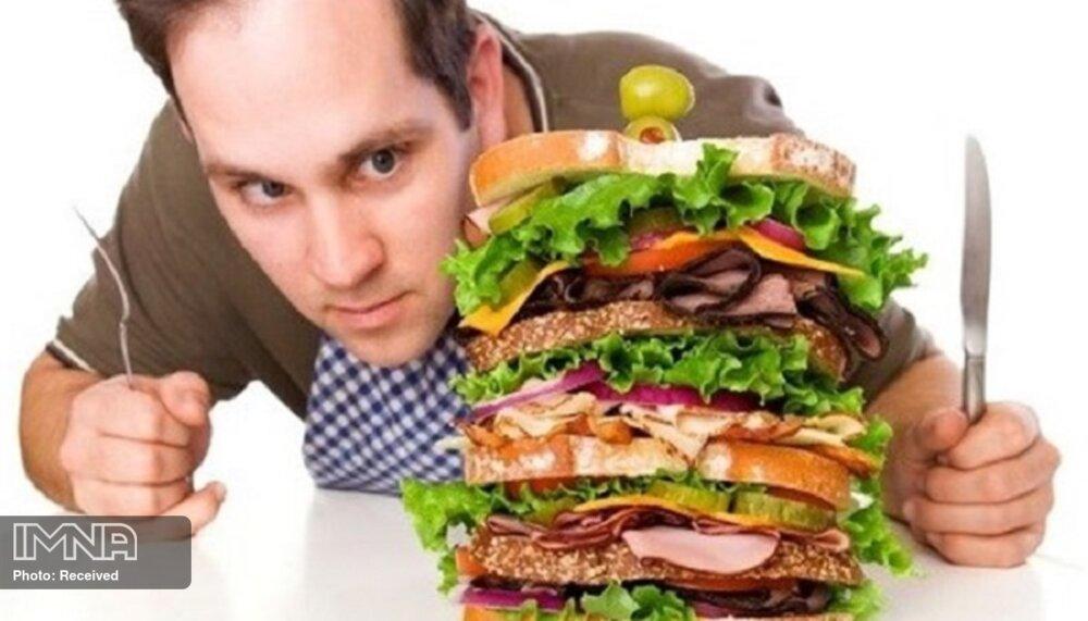 برای جلوگیری از پرخوری چه بخوریم؟