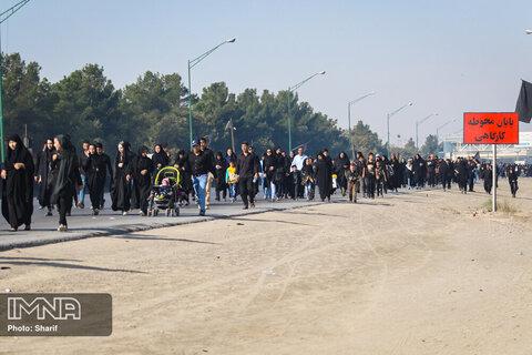 ده شصتیها، پیشتاز شرکت در راهپیمایی اربعین