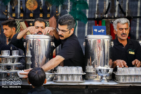 مراسم اربعین حسینی در امامزاده سید محمد خمینی شهر