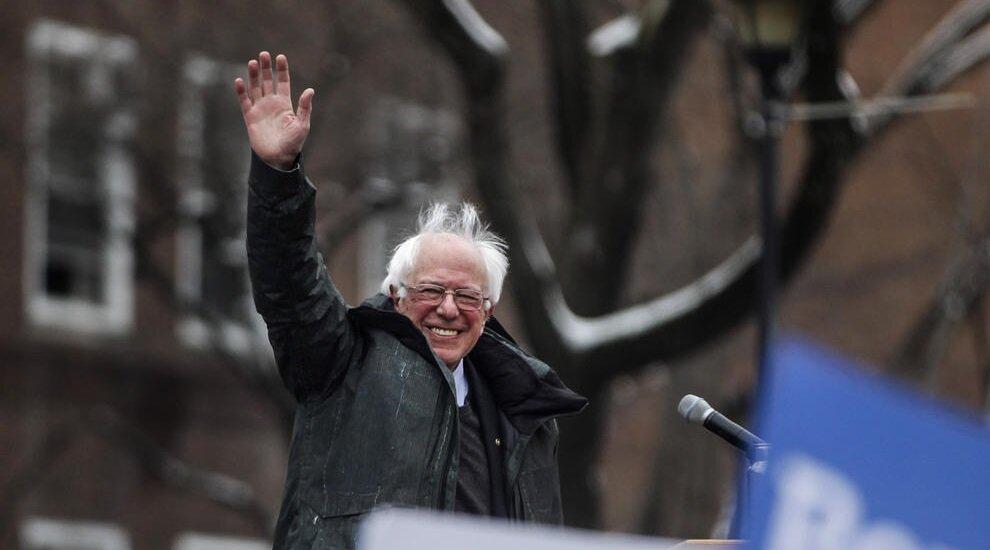 سندرز آغازگر انقلاب سیاسی در آمریکا