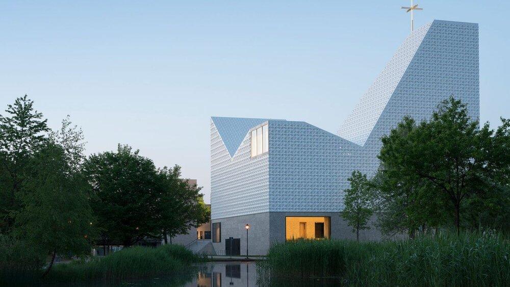 کلیسایی سرامیکی با معماری مدرن
