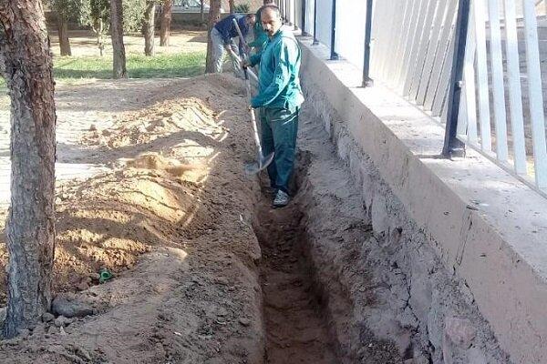 عملیات لولهگذاری انتقال آب خام به فضای سبز خیابان دستغیب یزد