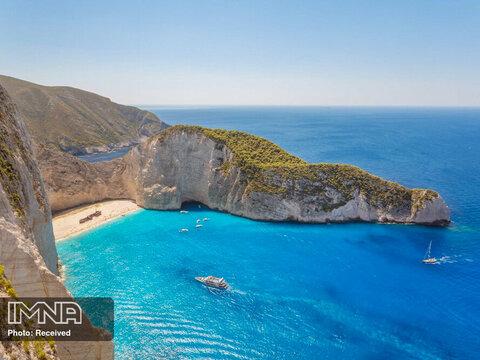ساحل Navagio در یونان