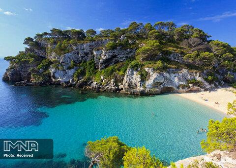 خلیج Cala Macarella در اسپانیا
