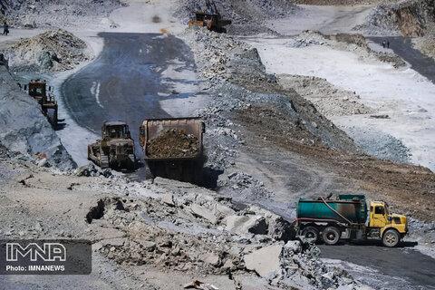 وزارت صمت زیربار تخلفات گسترده زیست محیطی معادن نطنز نمیرود