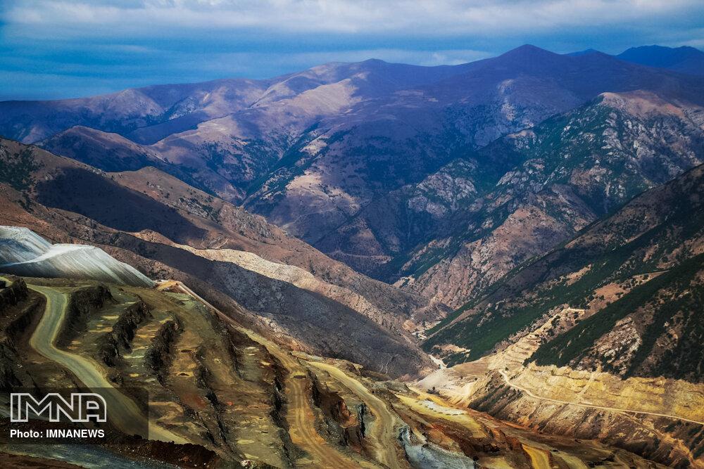 ایران  از نظر تنوع در مادههای معدنی در رتبه ۱۰ جهان قرار دارد
