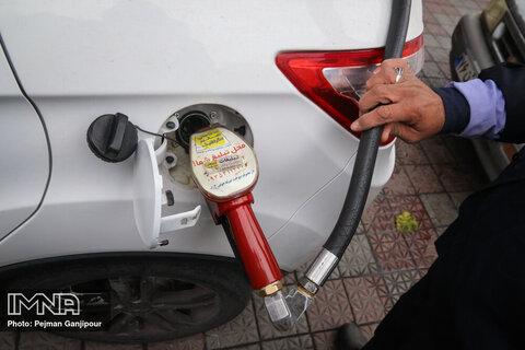 انواری: شیوه اجرای طرح افزایش قیمت بنزین نادرست بود
