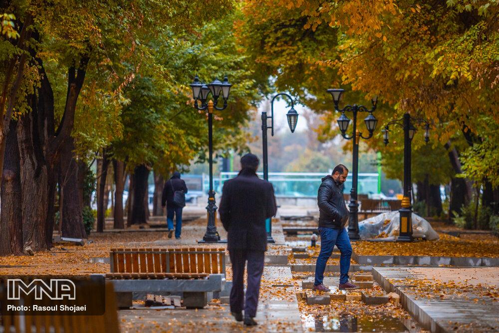 باران پاییزی در اصفهان