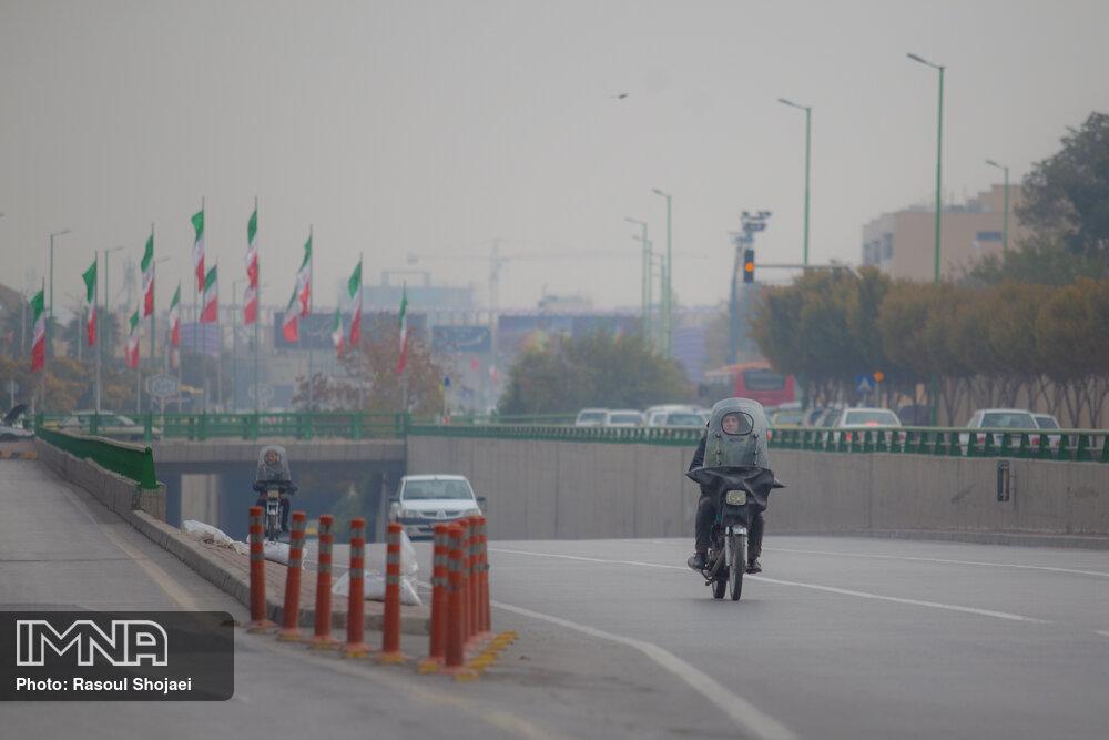 امروز هوای اصفهان برای گروههای حساس ناسالم است