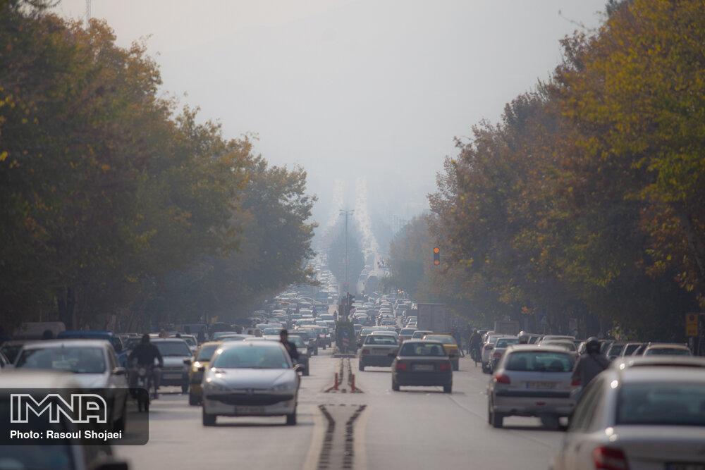 تداوم افزایش غلظت آلایندهها در مناطق مرکزی و صنعتی اصفهان